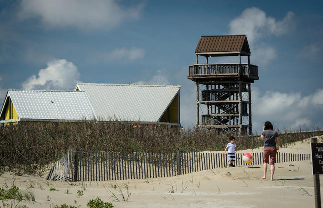 Family Friendly activities - play at the beach in grand isle
