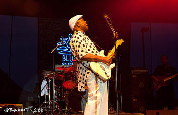 buddyguy-flickr-graffitiphotographic_0.jpg