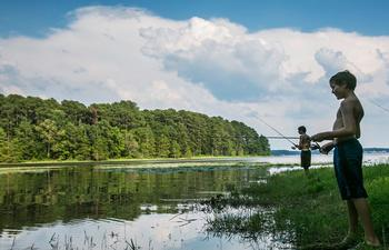 kids shore fishing toledo bend.jpg