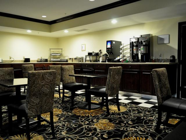 Breakfast Room at the Evangeline Downs Hotel