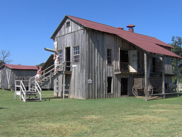 Frogmore's Smithsonian quality cotton gin with original 1800's machinery