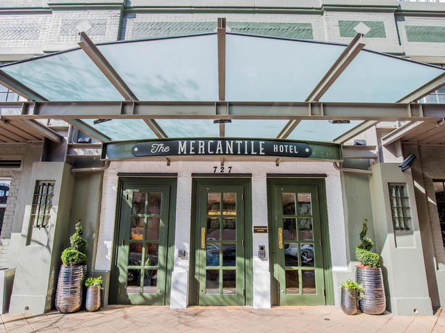 The Mercantile Hotel Entrance Photo