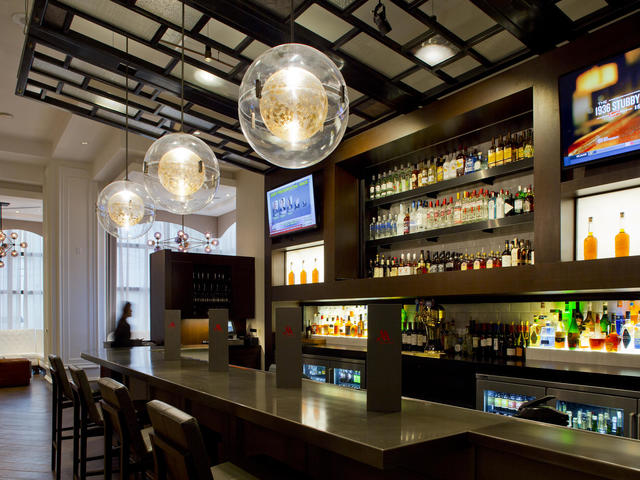 Marriott Metairie at Lakeway Great Room Bar