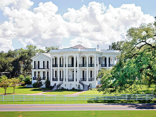 Nottoway Plantation is the South's largest remaining antebellum mansion and rests on 22 acres between Baton Rouge and New Orleans. Photo