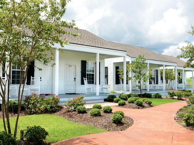 The Cottages and Carriage House offer deluxe hotel accommodations with luxury amenities.