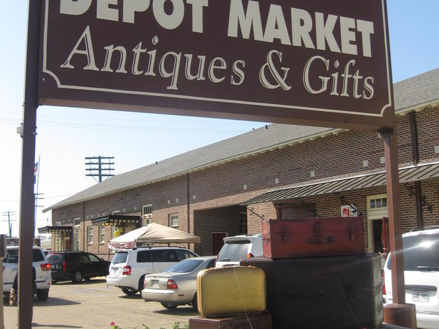 Plaquemine Depot Market Antiques & Gifts