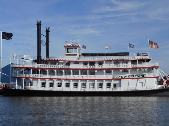 Total renovation of spectacular Riverboat