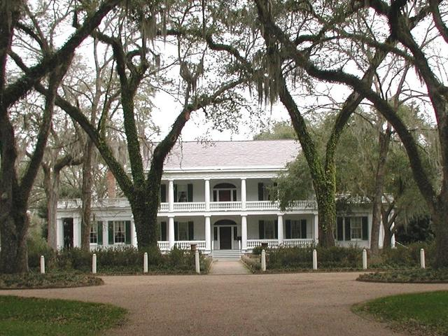 The main house of Rosedown Plantation. Photo 2