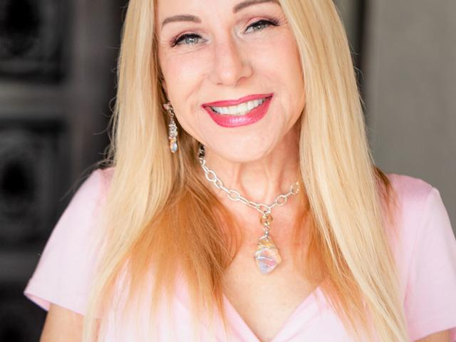 New Orleans Psychic Medium Cari Roy Photo